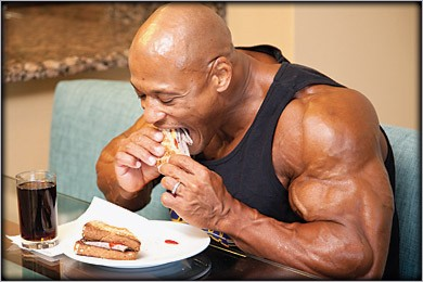 bodybuilder_food_eating